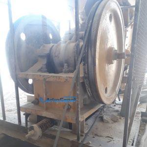 فروش سنگ شکن فکی کوچک 30 در 50 کارکرده ساخت کشور چک به همراه دینام 60 اسب و شاسی مربوطه | آرکوصنعت