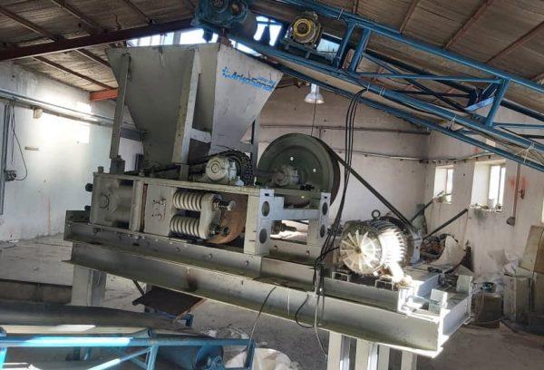 فروش والس 50*90 و آسیاب 16 چکشه دست دوم به همراه 33 متر نوار نقاله عرض 60 جهت فراوری سنگ معدنی   شرکت صنعتی آرکو صنعت